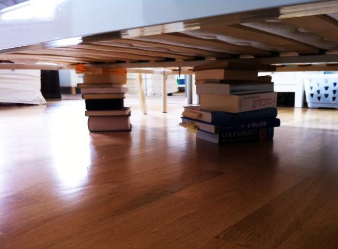 Bücher unterm Bett
